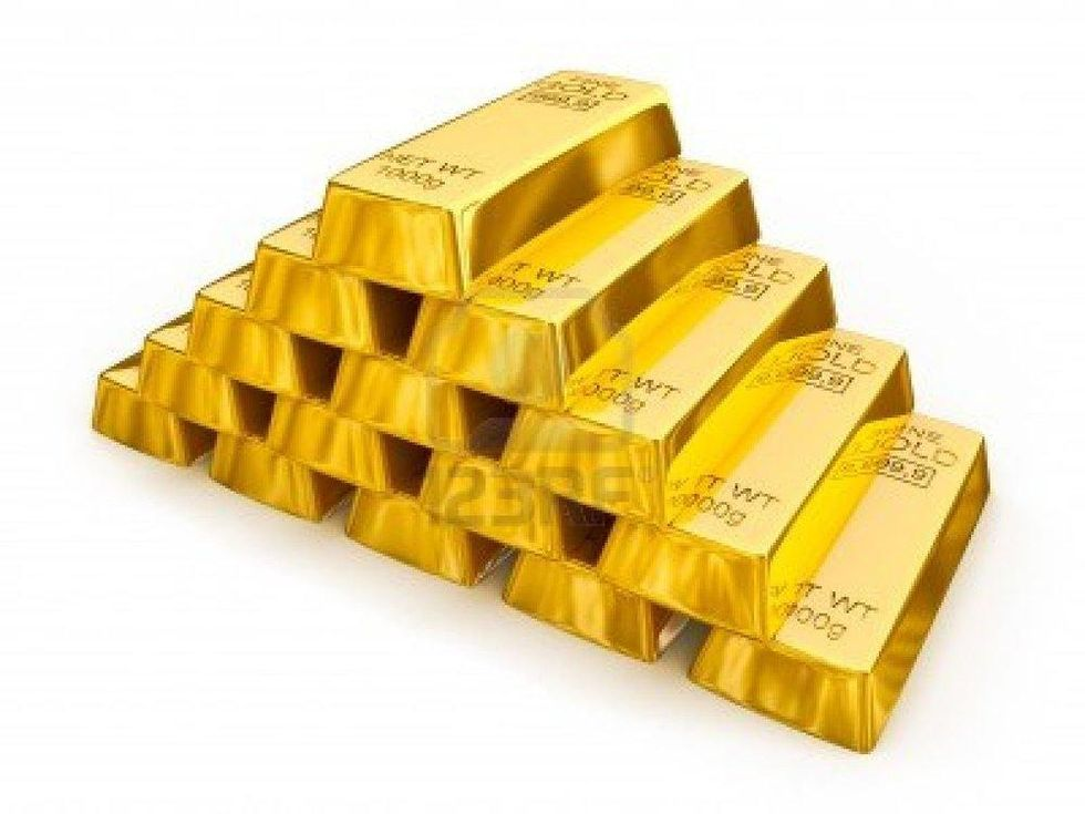 12635708-gold-bars-pyramid-isolated.jpg